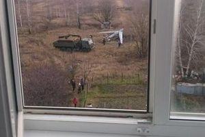 Máy bay Nga rơi khi thử nghiệm, suýt đâm vào nhà dân
