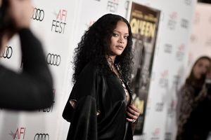 Rihanna 'khai quật' lại thiết kế vintage từ năm 1995 của NTK John Galliano