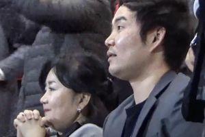 Vợ và con trai HLV Park tiếc nuối với pha bóng của Bùi Tiến Dũng