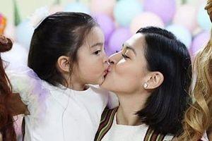Mỹ nhân đẹp nhất Philippines mừng sinh nhật con gái 4 tuổi