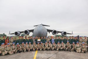 Cận cảnh vận tải cơ C-17A chở bác sĩ mũ nồi xanh Việt Nam sang Nam Sudan