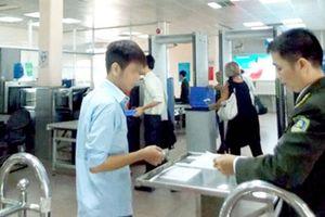Nhan nhản khách dùng giấy tờ giả đi máy bay