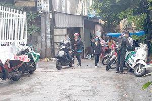 'Ba nhà' buông lỏng, học sinh vô tư đi xe máy đến trường