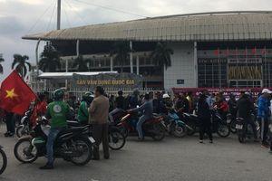 Trận đấu giữa Việt Nam và Thái Lan: Nghịch lý phe vé hỏi mua vé của cổ động viên