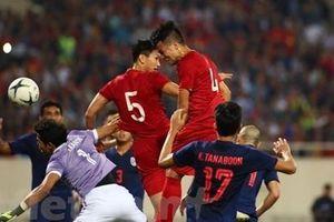 Clip: Trọng tài từ chối bàn thắng của Bùi Tiến Dũng trận Việt Nam - Thái Lan