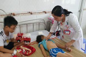 Năm mẹ con ở Cần Thơ nhập viện do ngộ độc thuốc diệt cỏ
