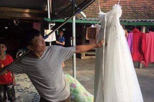 Gái ế lấy chồng, dân mạng chú ý tới hành động khác thường của ông bố