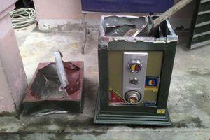 Trộm phá 3 két sắt trong buổi chiều