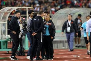 VFF vào cuộc việc 'mâu thuẫn' giữa HLV Park Hang-seo và HLV thủ môn Thái Lan