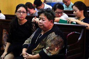 Hứa Thị Phấn không cho bác sĩ khám... lại nói mất 98% sức khỏe: Chiêu trò?