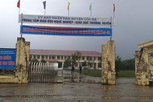 Hà Tĩnh: Nam sinh lớp 10 bị đâm trọng thương ở cổng trường