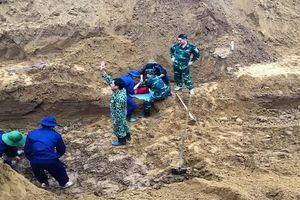 Tìm thấy và cất bốc 4 hài cốt liệt sỹ kèm các di vật ở Quảng Trị