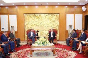 Trưởng ban Kinh tế Trung ương Nguyễn Văn Bình tiếp Phó Chủ tịch Tập đoàn dầu khí Total (Pháp)