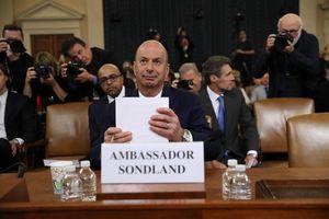 'Bom tấn' điều trần luận tội Trump: Những lời khai mang tính chất 'hủy diệt' của Đại sứ Sondland