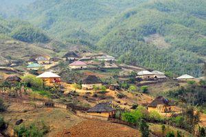 Vẻ đẹp những ngôi 'nhà nấm' mái cỏ rêu xanh còn lại trên vùng cao Bát Xát