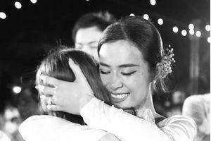 Ngoài Ông Cao Thắng, Đông Nhi có thêm một mối quan hệ 10 năm đáng ngưỡng mộ