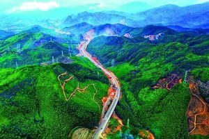 Quảng Ninh: Chú trọng đầu tư cơ sở hạ tầng