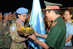 Hạnh phúc ngày trở về sau một năm hoàn thành xuất sắc nhiệm vụ Quốc tế