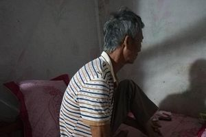 Vụ con rể đâm bố mẹ vợ thương vong: Người cha già thất thần kể lại giây phút bị truy sát