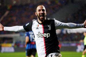 Ronaldo vắng mặt, Juventus thắng đầy tranh cãi trước Atalanta
