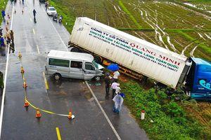 12 nhà sư trên xe 16 chỗ gặp nạn khi đi cầu siêu