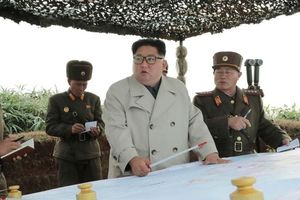 Chủ tịch Triều Tiên thị sát tập trận trên đảo tiền tiêu
