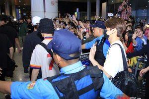 'AAA 2019': Seventeen, Donghae - Leeteuk (Super Junior) đổ bộ sân bay Nội Bài