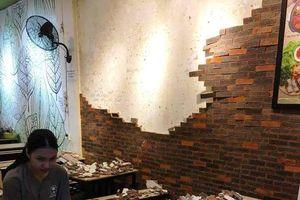 Đang ăn, 4 thực khách xui xẻo bị tường sập trúng đầu