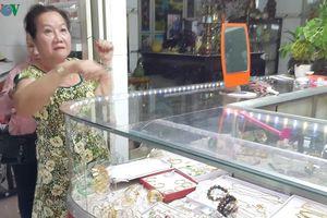Truy bắt đối tượng dùng búa cướp tiệm vàng tại Long An
