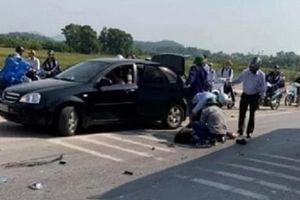 Hải Dương: Va chạm với xe khách, 2 nữ sinh tử vong