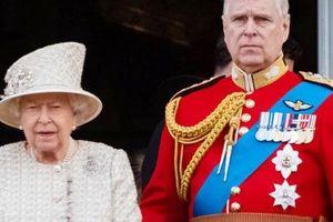 Nữ hoàng hủy tiệc sinh nhật 60 tuổi của Hoàng tử Andrew