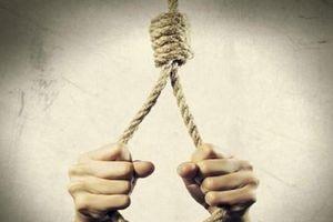 Người phụ nữ treo cổ tự tử nghi do trầm cảm sau sinh