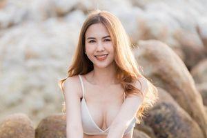 Vẻ gợi cảm của bạn gái tiền đạo Thái Lan