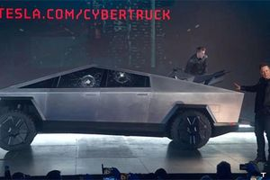 Elon Musk 'bốc hơi' 768 triệu USD sau màn ra mắt Tesla Cybertruck