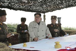 Chủ tịch Kim Jong Un ra lệnh 'khai hỏa', khiến nước láng giềng nổi giận