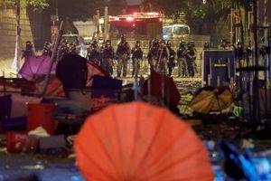 Một số người biểu tình trong Đại học Bách khoa Hồng Kông tuyên bố 'tử thủ đến cùng', cảnh sát và nhà trường kêu gọi họ ra đầu thú