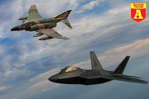 F-22 Mỹ cảnh báo F-4 Iran: 'Đã đến lúc các anh nên quay về'