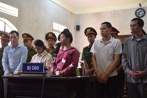 Mẹ nữ sinh giao gà ở Điện Biên: Nếu tham tiền, bỏ con sẽ bị cả xã hội lên án