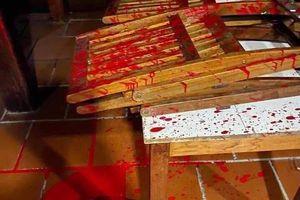 Nhà hàng ở phố cổ Hội An bị kẻ xấu liên tục tạt sơn, mắm tôm