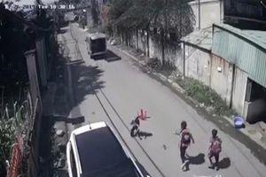 Vụ 3 học sinh bị văng khỏi xe đưa đón: Sở GD&ĐT nói gì?