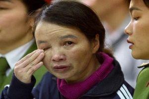 Mẹ đẻ nữ sinh giao gà lĩnh án 20 năm tù