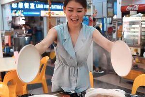 Tiệm lẩu Singapore đắt khách nhờ vẻ đẹp của bà chủ