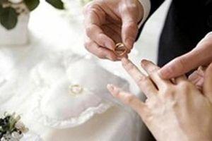 Con quan xã ở Cà Mau cưới vợ dưới 18 tuổi vi phạm Luật HN&GĐ thế nào?