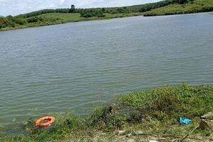 Rủ nhau tắm hồ, 2 nam sinh lớp 7 đuối nước tử vong