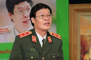 Trung tướng Hữu Ước và 'Một mình'