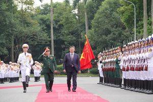 Bộ trưởng Quốc phòng Việt Nam - Mông Cổ ký thỏa thuận hợp tác quốc phòng