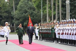 Bộ trưởng Bộ Quốc phòng Mông Cổ thăm chính thức Việt Nam
