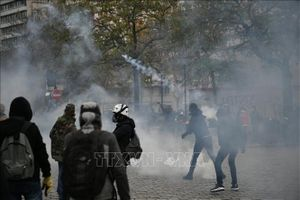 Thủ đô nước Pháp đối mặt làn sóng đình công quy mô lớn