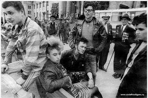 Hình cực độc về dân chơi Liên Xô thập niên 1980