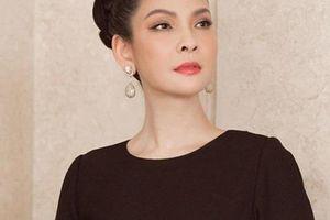 Người đẹp Thủy Hương lại gây sốt khi xuất hiện trong sinh nhật của Hoa hậu Giáng My
